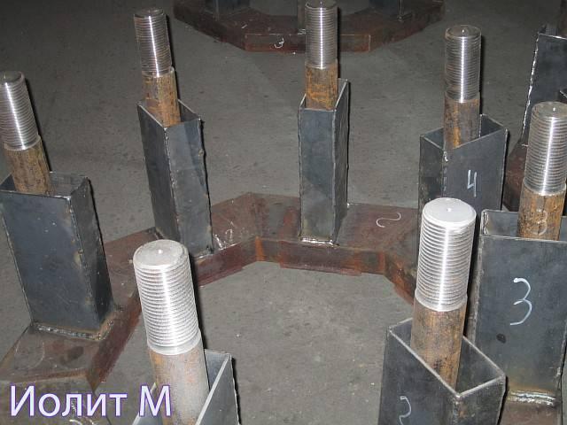Металлические швартовочные тумбы